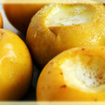 <b>Польза печеных яблок в микроволновке (+ рецепты)</b>
