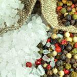 <b>Как избавиться от соли из блюд без потери вкуса?</b>