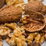 <b>Не выбрасывайте скорлупу грецких орехов, а используйте для здоровья!</b>