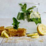 <b>10 причин для того, чтобы начать пить медовую воду</b>
